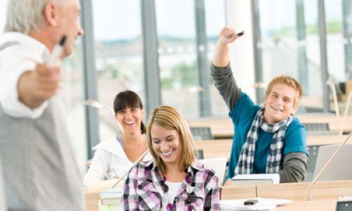 Language Courses - students enjoying their language class