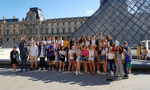 Homestay immersion in France - international student with host family